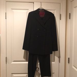 Women's Navy Blue Tahari Pant Suit